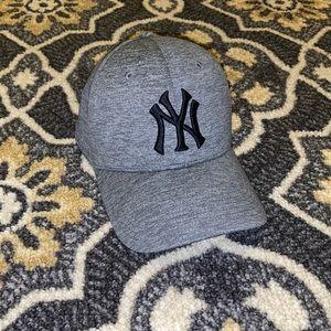 UNDER ARMOUR | NY Yankees Cap